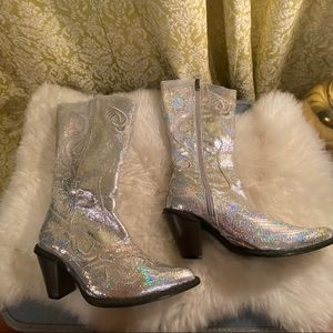 🌈 Vintage sparkly silver cowboy boots size 6